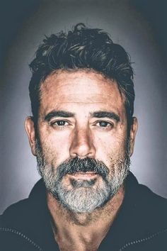 Jeffrey Dean Morgan as Charlie Tattoos Hipster, John Winchester, Herren Outfit, Good Looking Men, Beard Styles, Bearded Men, Gorgeous Men, Actors & Actresses, Sexy Men