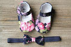 Zapatos de bebé azul marino zapatos de bebé por MartBabyAccessories                                                                                                                                                      Más