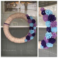 My new spring wreath #yarnwreath #feltflowers #diy