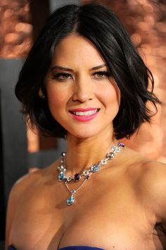 Olivia Munn Pink Lipstick - Olivia Munn punched up her elegant look with a fuchsia pink pout. She kept the rest of her look natural with light blush and defined lashes. Olivia Munn, Olivia Wilde, Sup Girl, Actrices Sexy, Actrices Hollywood, Hot Brunette, Pink Lips, Beautiful Celebrities, Short Hair Styles