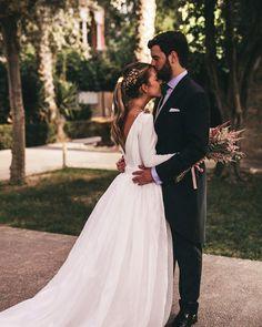 """1,259 Me gusta, 12 comentarios - A.J. (@cielo_de_organdie) en Instagram: """"La preciosa boda de Jose & Carmen fotografiada por @serafin_castillo ❤️ Vestido y tocado:…"""""""