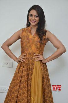 Actress Rakul Preet Singh Stills From Jaya Janaki Nayaka Promotions - Social News XYZ