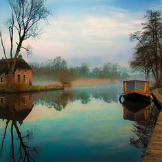 The boat... #dwarsgracht by jeanpaulbardelot