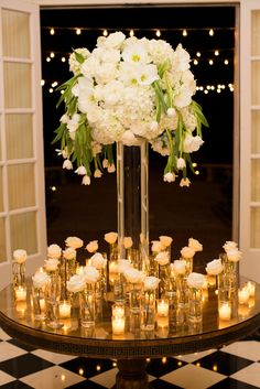 Luxury Wedding Centerpieces. Planning & Design: The Graceful Host - www.gracefulhost.com   Photography: Lauren Rosenau Photography - www.laurenrosenauphotography.com   Read More: http://www.stylemepretty.com/2015/05/04/modern-sophisticated-southern-wedding-at-duke-mansion/