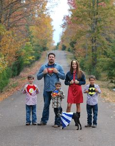 """I like the idea of """"Our Super Hero Family Picture"""" but I want to do it with UK shirts. For My Office Family Photo Sessions, Family Posing, Family Portraits, Family Photos, Superhero Family Pictures, Mommy And Me Photo Shoot, Family Picture Outfits, Fall Family, Family Photography"""
