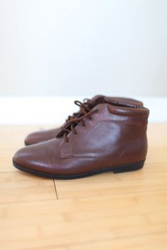 vintage brown leather oxfords ankle boots lace by lolajoonvintage, $36.00