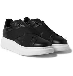 a6b137ba7e42 Alexander McQueen Exaggerated-Sole Leather Sneakers Alexander Chaussures  Mcqueen, Chaussures De Basket En Cuir
