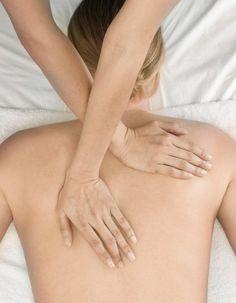 Embarquez pour une pause détente au bout du monde, mais à deux pas de chez vous. http://www.elle.fr/Beaute/Soins/Tendances/5-massages-qui-nous-font-voyager-2704114