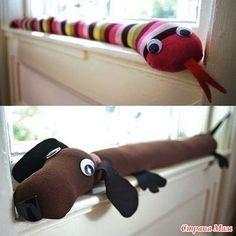 Кому-то, обязательно, пригодятся вот такие игрушки от сквозняков. Сквозняк может исходить из щели в окне или двери.