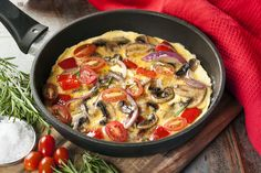 Veggie-Packed Breakfast: Tomato, Mushroom and Onion Skillet: 3-4 eggs, beaten 1 cup mushrooms, sliced 1 cup plum (or cherry) tomatoes, halved 1 cup red bell peppers, chopped 1 cup red onion, chopped 2 tablespoons olive oil salt and pepper, to taste