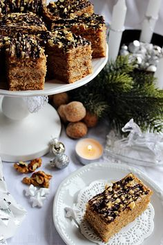 Illéskrisz Konyhája: ~ KARÁCSONYI DIÓS KRÉMES ~ Poppy Cake, Breakfast Recipes, Dessert Recipes, Hungarian Recipes, Fall Recipes, Food Photography, Food And Drink, Cooking Recipes, Yummy Food