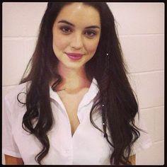 Adelaide Kane Hairstyles #wavyhair #blackhair