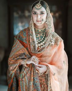Best Wedding Photographers In Punjab To Book For Your D-Day Indian Bridal Makeup, Indian Bridal Outfits, Pakistani Bridal Dresses, Indian Designer Outfits, Bridal Lehenga, Indian Dresses, Bridal Looks, Bridal Style, Royal Brides