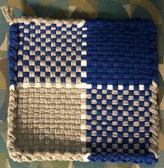 Potholder Loom, Potholder Patterns, Easy Sewing Patterns, Weaving Patterns, Pot Holder Crafts, Pot Holders, Pin Weaving, Loom Weaving, Loom Craft