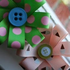 Lemon Tree Creations: Quick and Easy Hair Ribbons! - Lemon Tree Creations: Quick and Easy Hair Ribbons! Easy Hair Bows, Bow Hair Clips, Hair Ribbons, Ribbon Bows, Ribbon Flower, Ribbon Hair, Cheap Ribbon, Gift Ribbon, Flower Hair