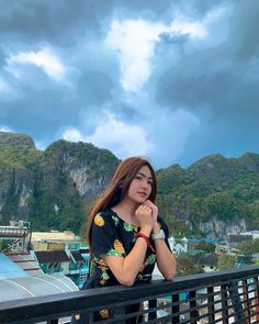 Dexie in Palawan Filipina Girls, Hypebeast Wallpaper, Cute Backgrounds, Palawan, Aesthetic Wallpapers, Icons, Photoshoot, Celebrities, Merry Christmas