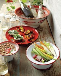 """See the """"Enamelware"""" in our Pedestal Dishes gallery Appetizer Buffet, Great Recipes, Favorite Recipes, Cake Pop Stands, Ideas Prácticas, Food Ideas, Just Cakes, Glass Dishes, Food Storage Containers"""