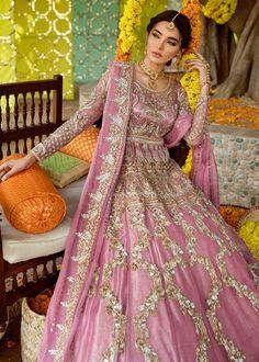 Bridal Mehndi Dresses 2020 - Pakistani Wedding Dresses for Brides Pakistani Wedding Outfits, Wedding Dresses For Girls, Pakistani Wedding Dresses, Pakistani Dress Design, Bridal Outfits, Pakistani Designers, Mehndi Outfit, Mehndi Dress, Shadi Dresses
