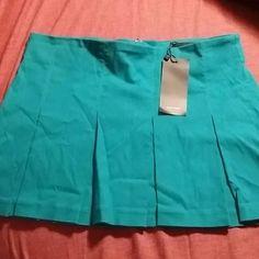 Vero Mode Jr mini skirt sz small Box mini skirt small. NWT. No built in shorts underneath. Vero Moda Skirts Mini