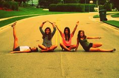 Take a picture like this! Cute #photoshot with your #friends you Love :)