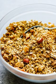 Maple Apple Spice Gluten Free Granola - Jar Of Lemons Lemon Recipes, Beef Recipes, Vegetarian Recipes, Healthy Recipes, Anti Oxidant Foods, Gluten Free Granola, Fall Breakfast, Spiced Apples, Cereal Recipes