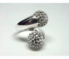 #Anillo en #Plata de Ley con bolas de cristal Blancas. Una joya ideal para lucir en fiestas o ceremonias.