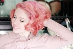 I really like the idea of pastel colors for vintage hair. I've always wanted to do this.