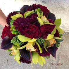 #autumn #wedding #bride #bouquet #bridalbouquet #green #orchids  #callalily #burgundy #gardenroses #flowerdipity #event October Fashion, Bride Bouquets, Calla Lily, Autumn Wedding, Orchids, Succulents, Dahlia Flowers, Floral Wreath, Burgundy