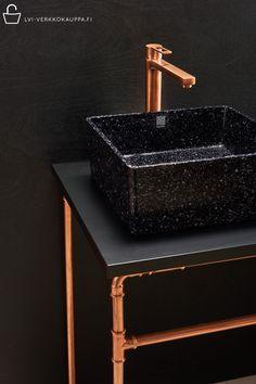 Käy verkkokaupassamme tutustumassa Woodion tyylikkääseen uutuusmallistoon - Cube ❤️ . . #lviverkkokauppa #sisustusverkkokauppa #woodiodesign #woodio #woodenwashbasin #washbasin #tapwell #tapwellhana #tapwellringo #pesuallashana #blackdesign #copper