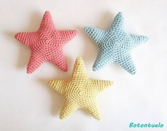 Stars and Hearts - Free Pattern Directory to Crochet Crochet Estrellas y Corazones - Directorio de Patrones Gratis a Crochet Ganchillo Stars and Hearts - Free Pattern Directory to Crochet Crochet Crochet Flower Patterns, Crochet Toys Patterns, Amigurumi Patterns, Crochet Flowers, Kawaii Crochet, Crochet Diy, Crochet For Kids, Crochet Starfish, Crochet Christmas Decorations