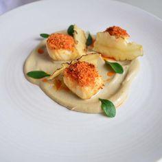 Scallops with artichoke and chorizo crumb #kalmkitchen