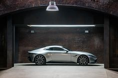 Aston Martin is known around the world as one of the premier luxury car makers. The Aston Martin Vulcan is a track-only supercar Aston Martin Db10, Aston Martin Sports Car, James Bond Movies, James Bond Cars, Expositions, Sport Cars, Concept Cars, Luxury Cars, Moda Masculina