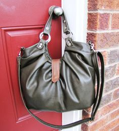 Large olive green leather bag, convertible backpack purse - Olive green with tan accent