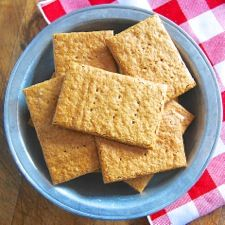 Crisp, flavorful whole wheat graham crackers, the perfect snack spread with peanut butter.
