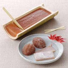 竹がまたいいですね。【柿羊羹詰合せ】Want to try this idea for jello.