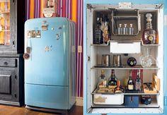 A geladeira antiga virou um bar original na sala de almoço da artista plástica Dedéia Meirelles, dona da Galeria Ímpar.
