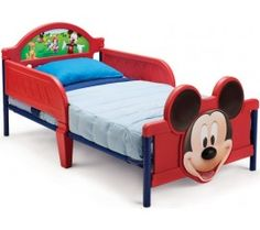- Patul cu cadru metalic este ideal pentru a facilita trecerea de la un patut pentru copii la un pat clasic - Patul este personalizat cu Mickey Mouse, binecunoscutul personaj Disney, indragit de catre copii - Cadrul patului este metalic, iar restul componentelor sunt realizate din plastic dur, foarte rezistent - Protectiile laterale incluse ofera siguranta copilului pe timpul somnului si elimina riscul de a cadea din pat - Patul este rezistent si poate sustine o greutate de pana la 22 kg