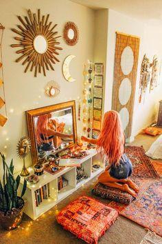 balcony ideas All Seeing Eye Spiegel berall in diesem Wohnzimmer mit Boho-Dekor. Room Decor Bedroom, Diy Room Decor, Bedroom Ideas, Bedroom Bed, Teen Bedroom, Modern Bedroom, Girl Bedrooms, Cozy Bedroom, Contemporary Bedroom