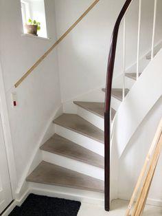 Simpel & budgetvenlig fornyelse af trappeopgang med pynteliste | Nanna Pretzmann