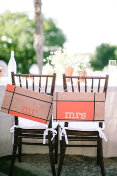 mondrian inspired Mr. and Mrs. signs  Photography by http://jessbarfield.com