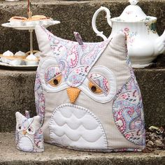 love anything 'owl'.  Owl teacosy