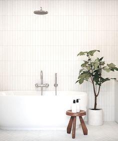 Simple and elegant! Love the mix of patterns in the same bathroom. The fishbone on the floor looks gorgeous. My dream bathroom 😍 📷… White Bathroom Tiles, Minimal Bathroom, Rustic Bathroom Vanities, Rustic Bathrooms, White Tiles, Modern Bathroom Design, Bathroom Flooring, Bathroom Interior Design, Home Interior