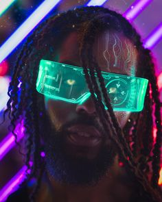 A genre of science fiction and a lawless subculture in an oppressive society dominated by computer technology and big corporations. Cyberpunk 2077, Cyberpunk City, Cyberpunk Fashion, Character Portraits, Character Art, Space Opera, Neon Noir, New Retro Wave, Cyberpunk Aesthetic
