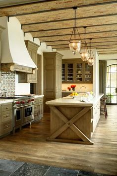 702 Hollywood: Rustic Kitchen