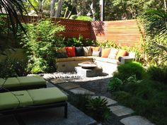 Backyard seating ideas small backyard ideas on a budget backyard Small Backyard Design, Small Backyard Landscaping, Small Patio, Patio Design, Backyard Ideas, Landscaping Ideas, Garden Design, Patio Ideas, Gravel Landscaping