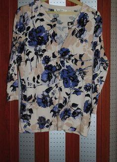 Kup mój przedmiot na #vintedpl http://www.vinted.pl/damska-odziez/kardigany/11895030-rozpinany-sweter-bezowy-w-niebieskie-kwiaty