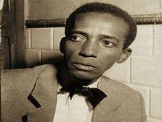 """Em 1928, Ismael Silva ajudou a fundar a Deixa Falar, a primeira escola de samba do Rio de Janeiro. Assista o compositor falar sobre samba em um trecho do programa """"Arquivo N"""", da Globo News."""