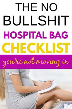 What does a mom need in her pregnancy hospital bag for labor and delivery?Check out this hospital bag checklist that is practical and stress free. Labor Hospital Bag, Packing Hospital Bag, Hospital Bag For Mom To Be, Hospital Bag Essentials, Hospital Bag Checklist, Baby Newborn, Newborn Care, Baby Hacks, Baby Tips