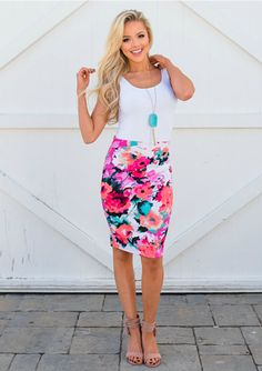 At Modern Vintage Boutique, we carry all of the trendiest styles. Shop our online boutique to find women's clothing, accessories, and more! Summer Work Dresses, Casual Summer Outfits For Women, Business Casual Womens Fashion, Business Casual Outfits, Business Attire, Floral Pencil Skirt, Pencil Skirt Outfits, Pencil Skirts, Neon Skirt