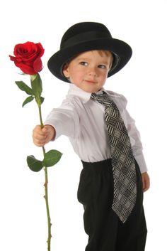 Beautiful Flowers Garden, Beautiful Love, Wine Glass Images, Decor Interior Design, Interior Decorating, Little Gentleman, Album, Baby Kind, Famous Brands